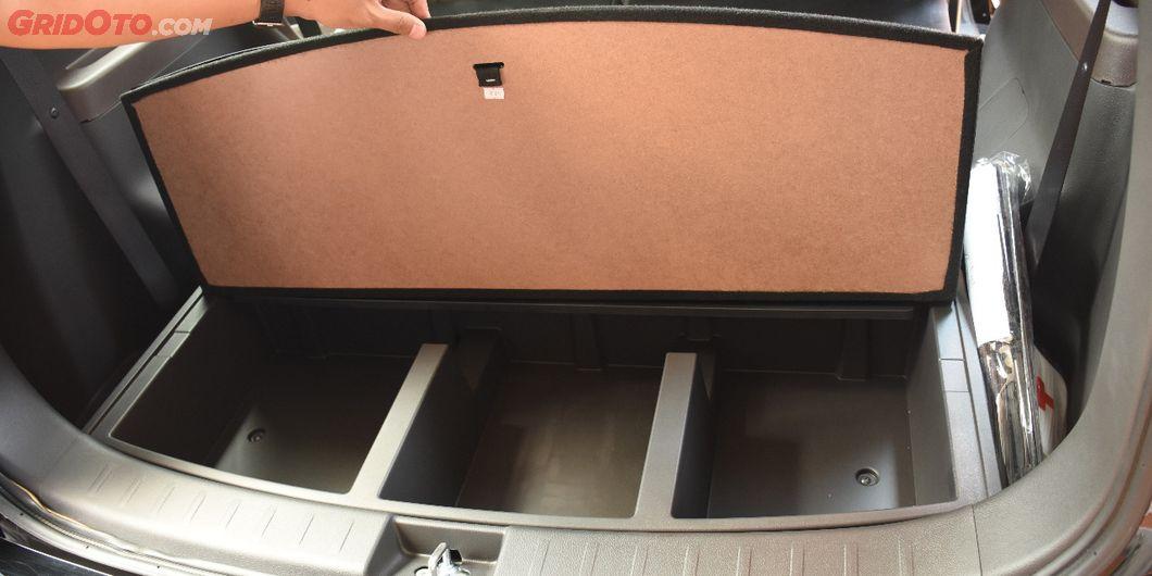 terdapat tiga ruangan penyimpanan di all new nissan livina