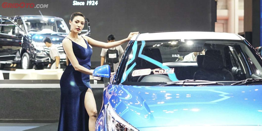 Usher di pameran otomotif Bangkok Motor Show 2019