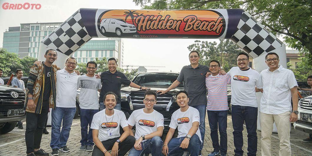 Tim Toyota Fortuner Hidden Beach bersama Perwakilan dari Toyota dan GridOto