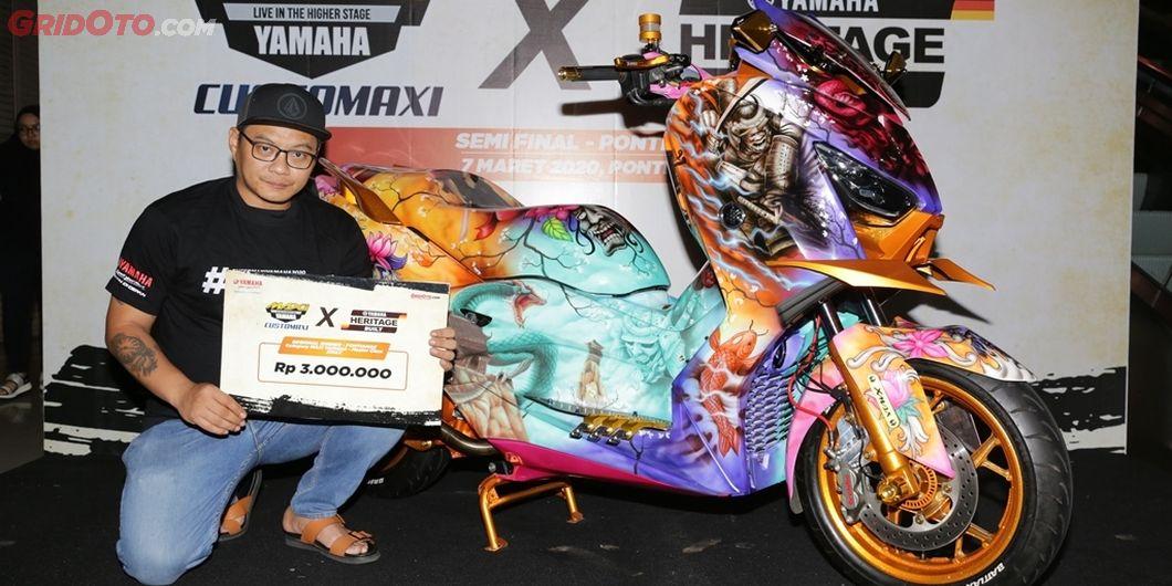 Pemenang kelas master Yamaha XMax