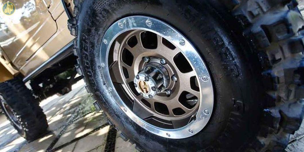 Menggunakan pelek TRD Toyota FJ-Cruiser