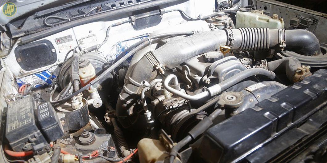 Mesin diganti pakai punya Toyota 1KZ-TE diesel. Diletakan sesuai dudukan asli Vitara. Artinya tanpa