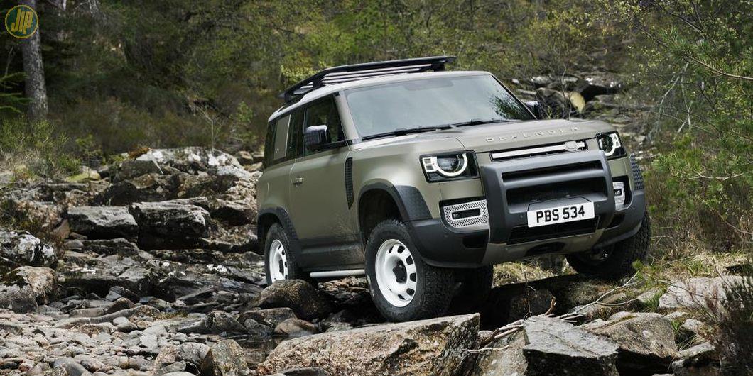 Land Rover Defender terbaru