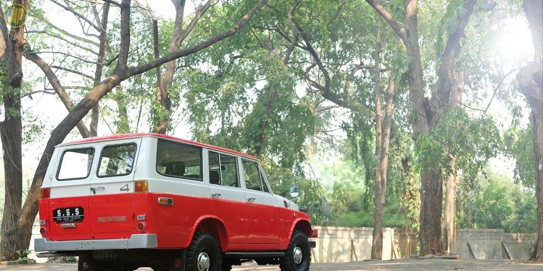 Restorasi Toyota Land Cruiser FJ55
