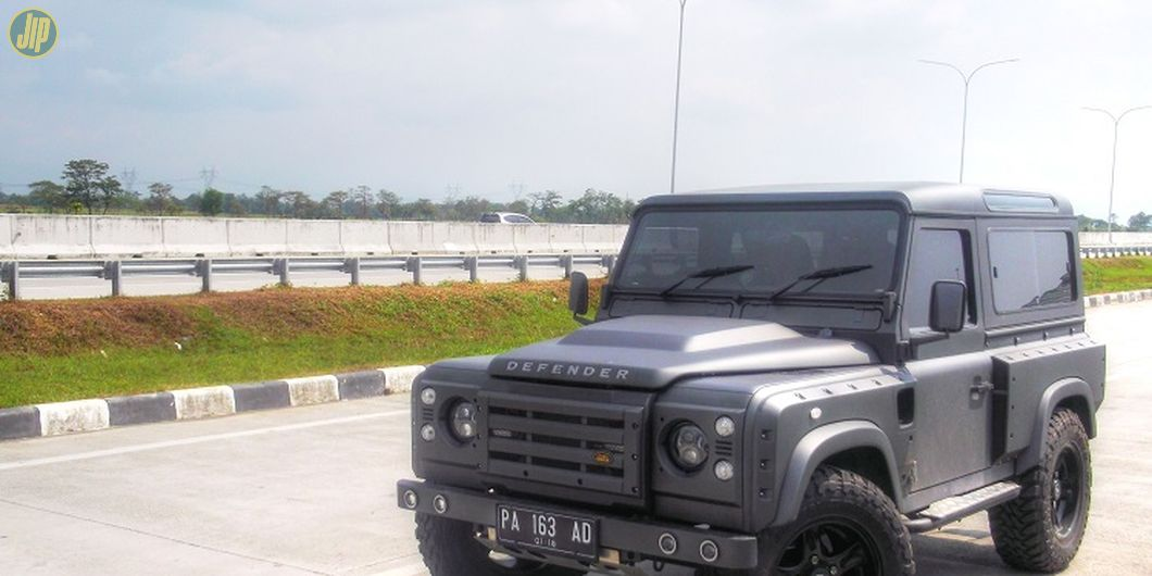 Land Rover Defender 1997 Military Series Project HX1