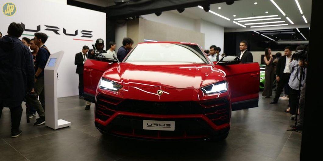 Harga Lamborghini Urus masih estimasi