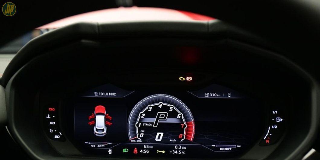 Panel instrumen Lamborghini Urus