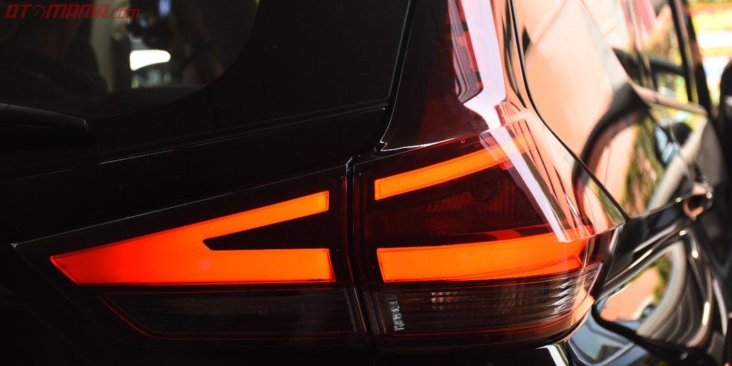 lampu belakang all new nissan livina