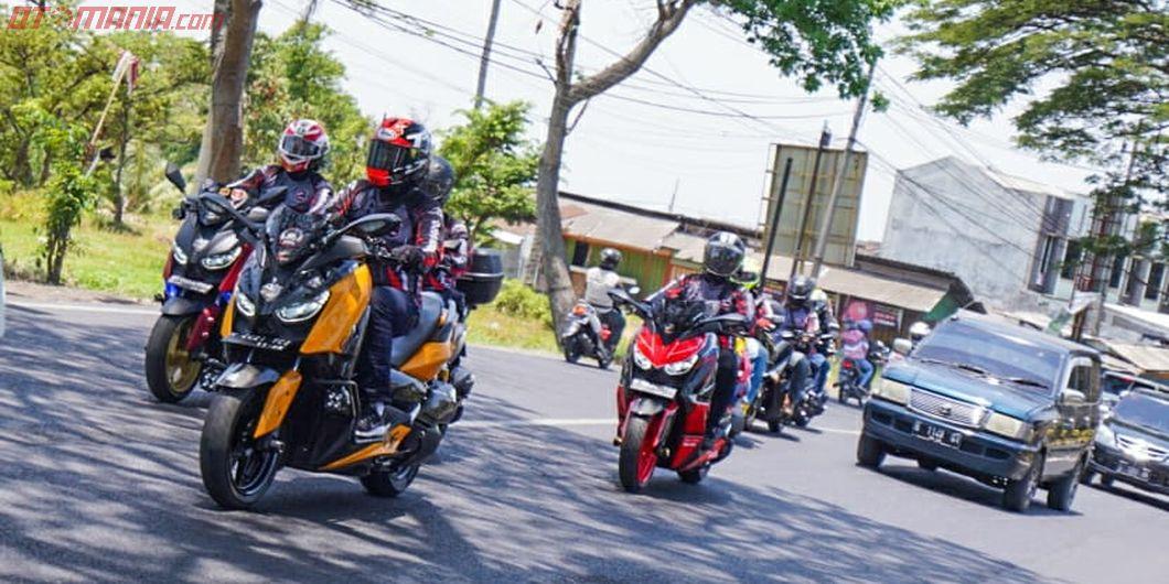 Peserta turing MAXI Yamaha Day 2019 Malang menuju titik akhir di wisata alam Coban Rondo Malang (5/1