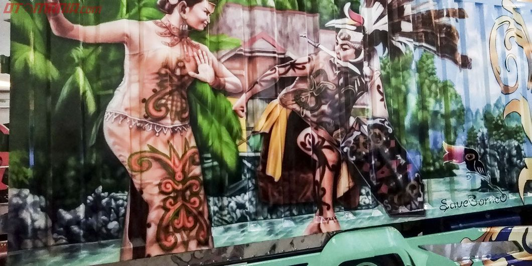 Tarian Dayak di bak Borneo, salah satu kontestan JFT 2018 – Hikmawan M Firdaus