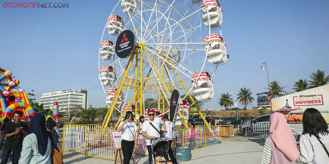 Ferris wheel di Tons of Real Happiness Makassar. Photo : Gugum Gumilar