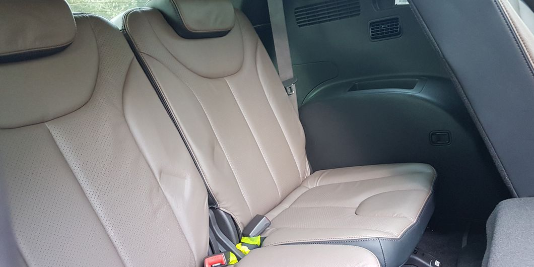 Jok baris ketiga Hyundai Santa Fe XG