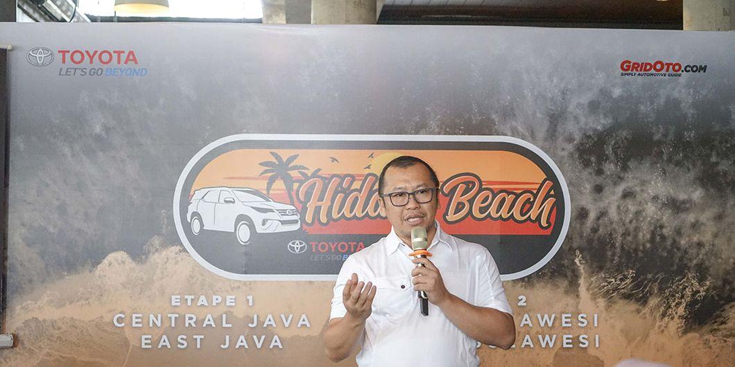 Rouli Sijabat selaku PR Manager Toyota Astra Motor (TAM) memberi sambutan pada pelepasan Tim Toyota