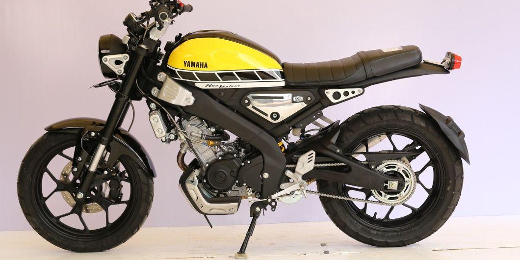 Tampak samping Yamaha XSR 155 pemenang kelas heritage Bekasi