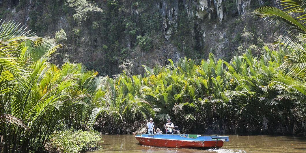Peserta XploreXpander di Rammang - Rammang, Kab Maros Sulsel. Photo: Gugum Gumilar