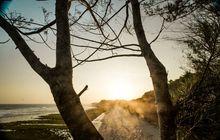 menikmati keindahan pesisir pantai selatan di wilayah pacitan