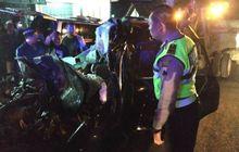 toyota avanza ringsek total akibat adu banteng sama bus rosalia indah, 6 orang meninggal