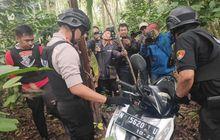 waduh! polisi temukan motor bodong di dalam kebun, ko bisa?