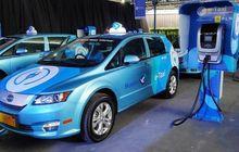 berapa biaya listrik untuk mobil listrik byd e6 milik blue bird?