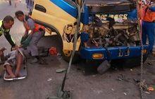 (truk banget artikelnya) akibat sopir kelelahan, dump truk tabrak pantat truk lain sampai sopir dan kernet tergencet, begini kronologinya