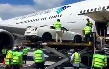 ketika godzilla, nissan gt-r naik pesawat di indonesia, netizen pun terkaget