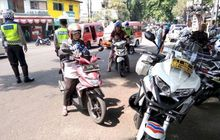 telat bayar pajak 4 tahun, stnk kendaraan dinas pelat merah di cianjur langsung ditahan