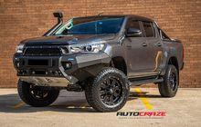 Toyota Hilux Berhasil Tampil Lebih Gagah, Mukanya Agresif Banget