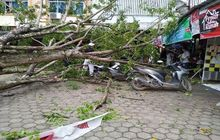 Naik Motor Dihadang Hujan dan Angin Kencang, Pakar Safety Kasih Saran Biar Tetap Aman