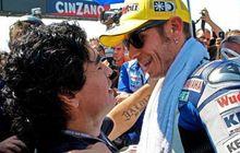 Ikut Berduka, Valentino Rossi Tunjukkan Momen Haru Bersama Diego Maradona