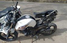 Yamaha Byson Terjang Motor Roda Tiga, Buruh Pabrik Berakhir di Kolong Truk