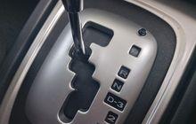 Cara Mundur Pakai Mobil Matik buat Pemula, Cuma 6 Langkah Saja