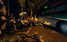 Bus PO Sudiro Tungga Jaya Nyalip Libas Xenia, Brio dan Avanza, Amburadul 6 Orang Tewas