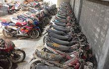 Ditemukan Harta Karun Tersembunyi, Berjejer Yamaha RX-Z, Tiara, hingga Honda NSR, Pencinta Motor 2-Tak Bisa Nangis