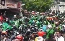 Heboh Debt Collector VS Ojol Baku Hantam di Sawah Besar, Helm Berterbangan