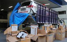 Mencurigakan, Toyota Innova Ambulans Digendong Truk Digrebek Petugas, Isinya Bikin Kaget
