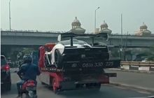 Beredar Video McLaren Senna Diangkut Truk Towing di Indonesia, Netizen Malah Kasihan Sama Sopirnya