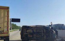 Daihatsu Terios Guling-guling di Tol Lampung, Imbas Ban Pecah Tiga Nyawa Melayang