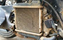 Enggak Ribet Bersihkan Radiator Motor, Cukup Sikat Gigi Plus Sabun Cuci Piring, Begini Hasilnya