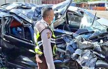 Petaka Pulang Liburan, Suzuki XL7 Isi 12 Orang Hancur Lebur di Tol Cipali