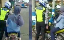 Emak-emak Santuy Kena Tilang Ogah Turun Dari Motor, Polisi Ngos-ngosan Dorong