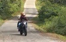 Asli Lagi Apes Banget Nih, Honda CB150R Gagal Nanjak di Jalur Dieng Via Bawang, Netizen Sampai Salah Fokus