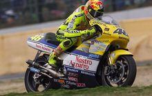 Sempat Tertinggal, Begini Gaya Valentino Rossi Raih Kemenangan Perdana di GP Inggris 2000