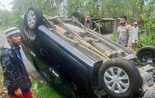 Warga Kaget Pagi-pagi Toyota Avanza Isi 8 Orang Mendadak Balik Badan, Kelakuan Sopir Jadi Penyebab