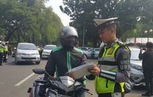 Kendaraan Tanpa Stiker Hologram Mulai Diincar Polisi, Begini Cara Mendapatkannya Supaya Enggak Kena Tilang