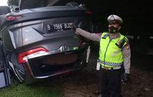 Masih Pagi Kena Musibah, Honda CR-V 1.5 Turbo Jumpalitan di Kembangan