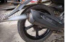 Konsultasi OTOMOTIF: Apa Penyebab Knalpot Motor Keluar Asap Putih?