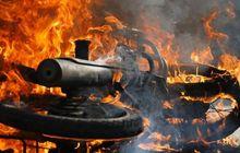 Cara Ini Paling Aman Padamkan Motor Bekas Yang Terbakar, Bukan Disiram Air