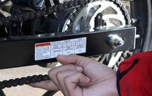 ini beberapa penyebab yang bikin rantai motor berisik saat riding