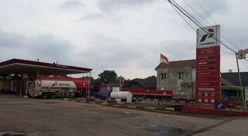 SPBU 34.168.08 di Jalan Raya Narogong, Cileungsi, Bogor kemasukan air