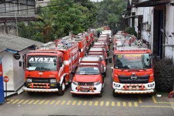 Penasaran Harga Mobil Pemadam Kebakaran Intip Yuk Dari Kapasitas 500 Liter Sampai 12 000 Liter Gridoto Com